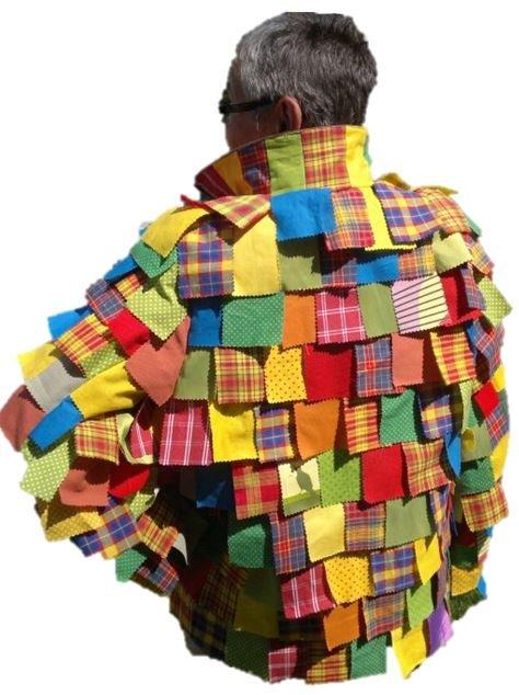 Lappenclown  Diese Jacke für einen Lappenclown wurde auf Basis einer Trekkingweste gefertigt.
