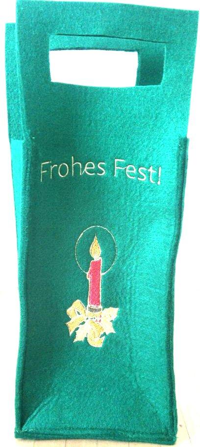 weihnachtliche Geschenkverpackung  Dekorative weihnachtliche Geschenkverpackung aus robustem Filz. Zum Verpacken von Weinflaschen, Süßigkeiten oder anderen Weihnachtsgeschenken. Mit liebevollen Christmas Motiven bestickt. Auch zum Nikolaus eine nette Überraschung.