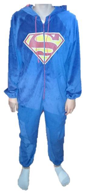 Jumpsuit  Jumpsuits sind gerade sehr angesagt.  Aus flauschigem Material werden sie auch gern als bequemen Hausanzug oder kuscheligen Schlafanzug verwenden.  Super bequeme Overalls zum Chillen und Entspannen.